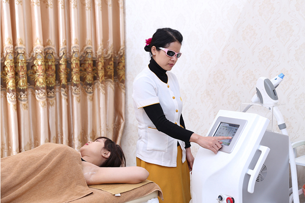 Triệt lông nách CN Diode Laser bảo hành 10 năm tại Thủy Nguyễn Spa