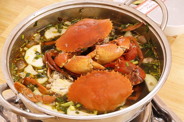Buffet hải sản cua biển tại Buffet Beer Nhà hàng Sing