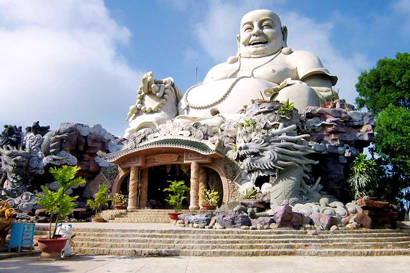 Tour Hành hương Châu Đốc - Núi Sam - Núi Cấm - Chợ Tịnh Biên (01 ngày)
