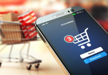Lý do người Việt thích mua sắm trực tuyến qua điện thoại