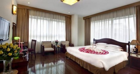 Nghỉ dưỡng tại phòng Deluxe tại Imperial Hotel & Spa