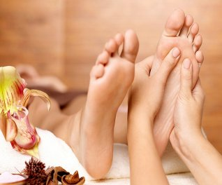 Foot Massage hoặc Aroma Body Massage tại Flamingo Spa