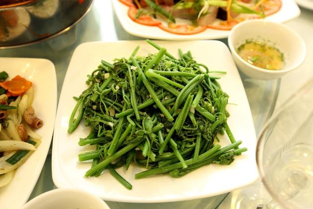 No nê với set lẩu cá lăng cho 06 người tại Nhà hàng cá Minh Quân