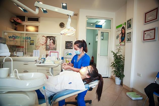 Khám + Tư vấn + Chụp Xquang + Lấy cao răng + Đánh bóng răng bằng ...