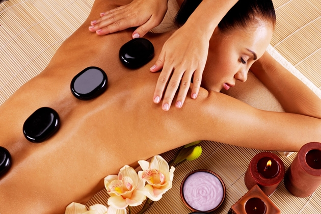 Massage đá nóng là gì
